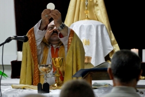 Photo Credit: bing.com/images http://northshorejournal.org/chaldean-rite-mass-held-for-americans-in-basra-iraq